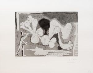 Picasso - Peintre Travaillant a Une Grande Toile Representant une Femme...